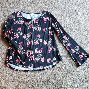 3/$15 floral long sleeve shirt with bell sleeves